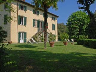 Large Villa Close To Lucca with Pool - Villa Frediano - 12 - Lucca vacation rentals