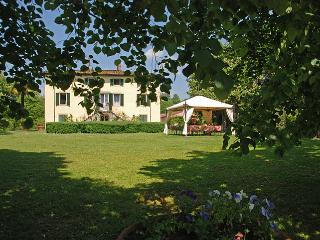 Large Luxury Villa Close To Lucca with Pool and Chapel  - Villa Frediano - 20 - Lucca vacation rentals