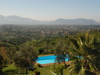 Self-Catering Accommodation for Family near Lucca - Casa Matraia - Matraia vacation rentals