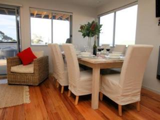 Self  contained seaside holiday home. Sleeps 8 - Bridport vacation rentals