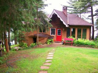 Booth Lane - 3 Bedroom 4 Season Cottage -  FALL WEEKENDS STILL AVAILABLE! - Ontario vacation rentals