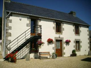 Romance In France- Le Cosquer Huella, Loqueffret - luxury accommodation for two! - Finistere vacation rentals