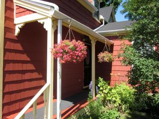 VINTAGE VACATION * DOWNTOWN * NO TAX - Charlottetown vacation rentals