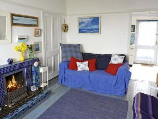 BLUE LOBSTER, family friendly, with a garden in Lower Burnmouth, Ref 5401 - Burnmouth vacation rentals