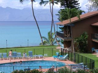 BEST KEPT SECRET ON MAUI.  OCEANFRONT 2B, 2B LUXURY CONDO AT AFFORDABLE PRICE - Lahaina vacation rentals