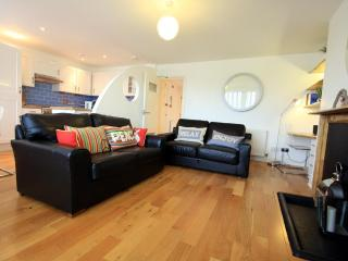 Nouveau Delaney Apartment - Brighton vacation rentals
