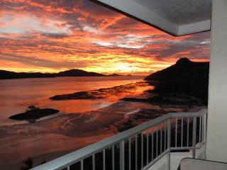 Hamilton Island Beachfront - includes golf cart - Hamilton Island vacation rentals