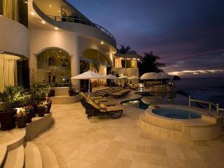 Villa Paraiso, Puerto Vallarta - Majahuitas vacation rentals