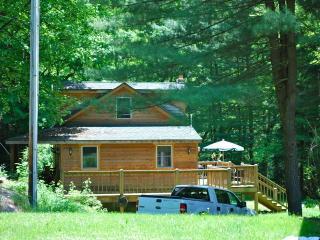 Savage Riverfront Getaway, Brownie Cottage - Swanton vacation rentals