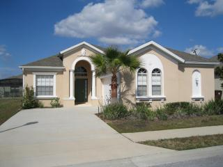 Luxury 4bdrm 3 bath rental villa close to Disney - Haines City vacation rentals