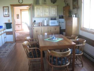 3 bedroom House with Deck in Wilsall - Wilsall vacation rentals