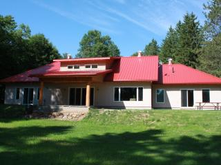 Chinook on Lake of Bays (straw bale eco cottage) - Lake of Bays vacation rentals