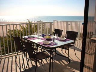 Only February date available is week of  2-25! Easter week available! - Indian Shores vacation rentals