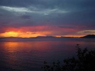 Elephant House - San Juan Islands vacation rentals