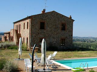 Podere Granai - Apartment in the heart of Tuscany. - Tuscany vacation rentals