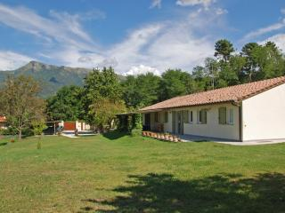 Villa Near Coast with Two Guest Houses near Town - Casa Camaiore - Camaiore vacation rentals