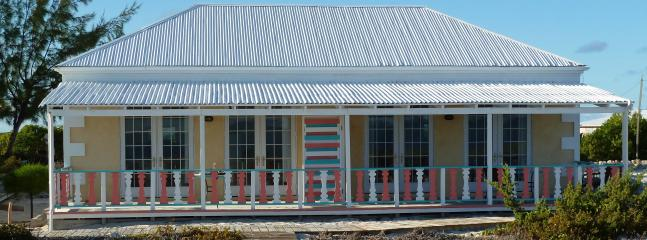 Shipwreck Suites 1 & 2 - Castaway--on North Beach - Salt Cay - rentals