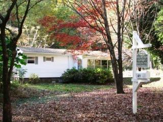 Walk to White Oak Canyon Hiking Trail & Falls - Syria vacation rentals