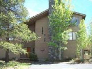 Front of House - FIVE BEDROOM FUN AND OPEN HOME ON FORT ROCK PARK - Sunriver - rentals