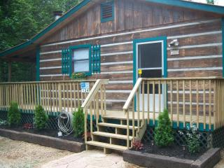 Charming Cabin on 2 Secluded Acres, FP, HT, WIFI - Sevierville vacation rentals