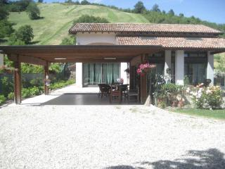 A romantic house in the countryside near Parma - Parma vacation rentals