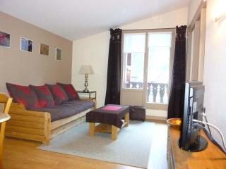 chamonix 1 bedroom apart, balcony  facing Mt blanc - Chamonix vacation rentals