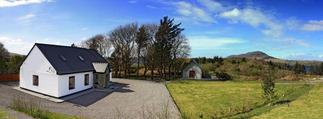 Red Deer Cottage - Red Deer Cottage in Stunning Location (Free Wi-Fi) - Letterfrack - rentals