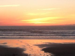 A few Oceanfront weeks available at the Sandcastle - Manzanita vacation rentals