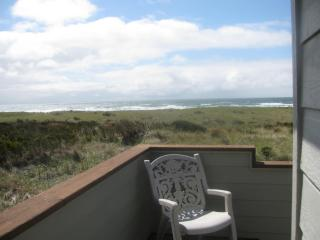 VIEW Westports SEAVIEW a  LARGE CLEAN HOUSE - Westport vacation rentals