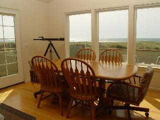VIEW Westports  LARGE CLEAN HOUSE  close to shore - Westport vacation rentals