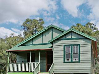 Motty's Hideaway Hunter Valley - Pokolbin vacation rentals