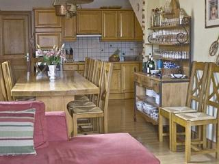 Chalet Le Yeti - Private Ski Chalet in Meribel - Saint-Martin-de-Belleville vacation rentals