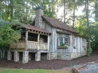 Romantic 1 bedroom Cabin in Candler - Candler vacation rentals