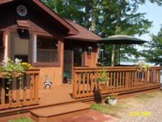 Jefferson's Landing, Hilliard -Lakeside Cabin - Conover vacation rentals