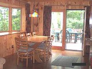 Jefferson's Landing, Hilliard -Lakeside Cabin - Conover vacation rentals
