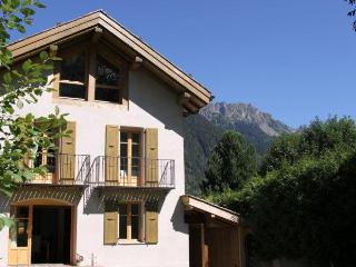 Wonderful 4 bedroom Chalet in Chamonix with Deck - Chamonix vacation rentals