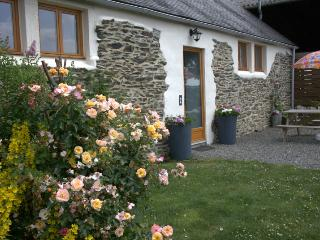 Rural Escape, easy access to Western Brittany - Huelgoat vacation rentals