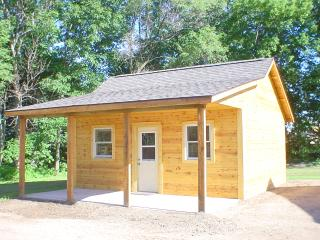 Deeg's Outdoor Adventure Cabins - The Bear - Neillsville vacation rentals