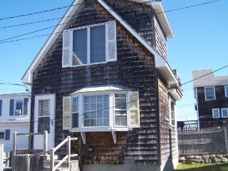 1 bedroom cottage on oceanfront lot - Moody Beach - Wells vacation rentals