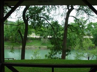 River front & view, patio, deep area swim,tube,fish - New Braunfels vacation rentals