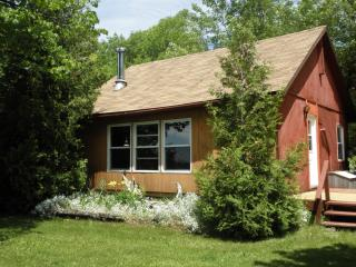 Viva Villa (Manitoulin Island) Housekeeping resort - Kagawong vacation rentals