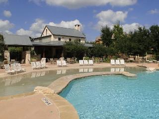 Tranquil 3 Bdr condo with top of the line amenities in a spectacular location - Round Rock vacation rentals
