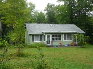 Adorable Lakefront Cottage in the Catskills - Ellenville vacation rentals