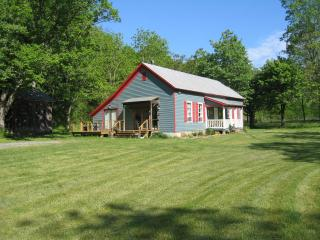 Alone Mill Schoolhouse - Outdoor Lovers Paradise - Lexington vacation rentals
