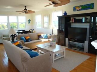 The Pink House Litchfield by the Sea - Myrtle Beach - Grand Strand Area vacation rentals