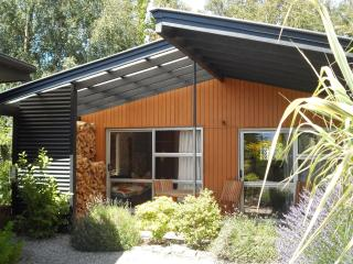 Peak-Sportchalet - 2-bedroom Chalet and B&B - New Zealand vacation rentals