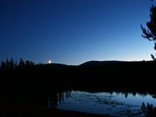 Cozy cabin on pristine Idabel Lake, B.C. - Kelowna vacation rentals