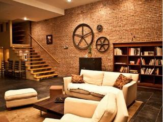 Unique Trendy Full Amenity Williamsburg House - New York City vacation rentals