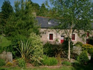 Mimosa Lodge a Beautiful 5-Bedroom 15C Cottage - Langonnet vacation rentals
