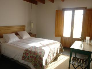 Casarural close to Bilbao B&B - Por habitaciones - Mungia vacation rentals